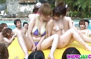 Wanita cantik tahu bagaimana untuk menyenangkan bokep online gratis jepang vaginanya