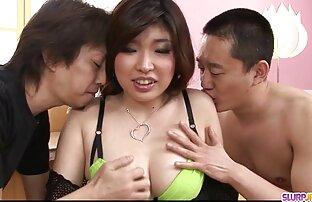 Gilf free sex video jepang elle Inggris mendorong dildo ke bokong lamanya.