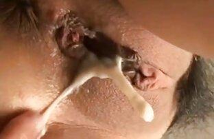 Kecantikan bermain dengan download free sex jepang tubuhnya yang panas saat mandi