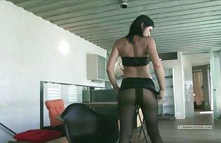 Latina menunjukkan payudara besarnya video sex free jepang pada webcam.