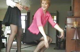 Nenek nakal video sex jepang free mengambil dua ayam baru.