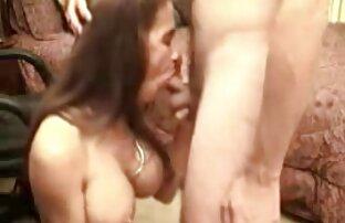 Nenek pirang tua naik penis Orang Asing di depan video free sex jepang umum.