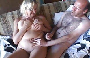 Teman Amatir bergabung untuk sesi masturbasi. bokep online gratis jepang